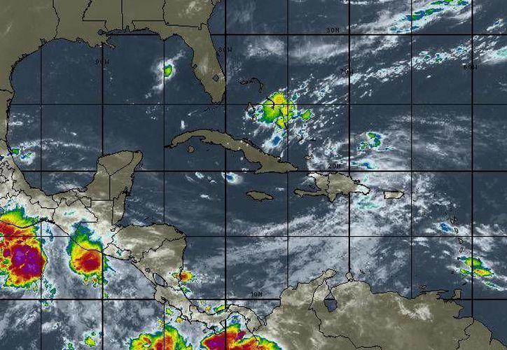 En Cancún se pronostica cielo parcialmente nublado con vientos de entre 15 a 30 kilómetros. (Intellicast)