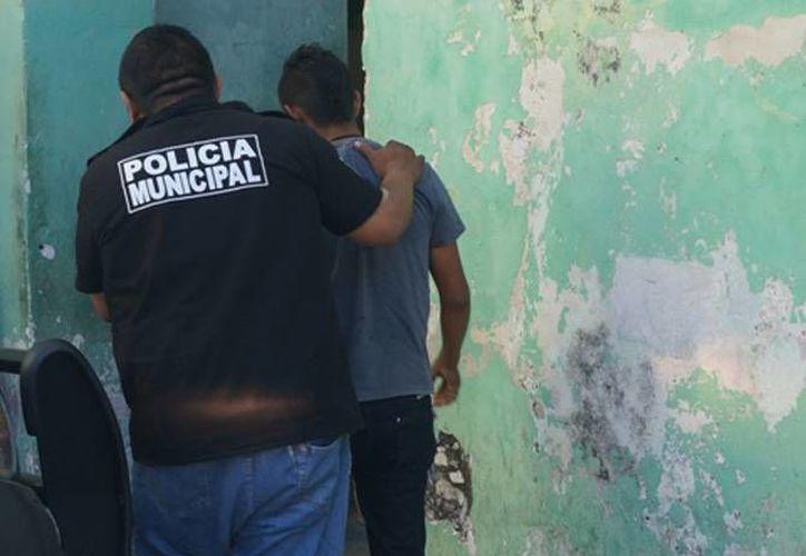 La unión de una joven pareja terminó con dos lesionados y varios detenidos, producto de una riña entre familias. (SIPSE)
