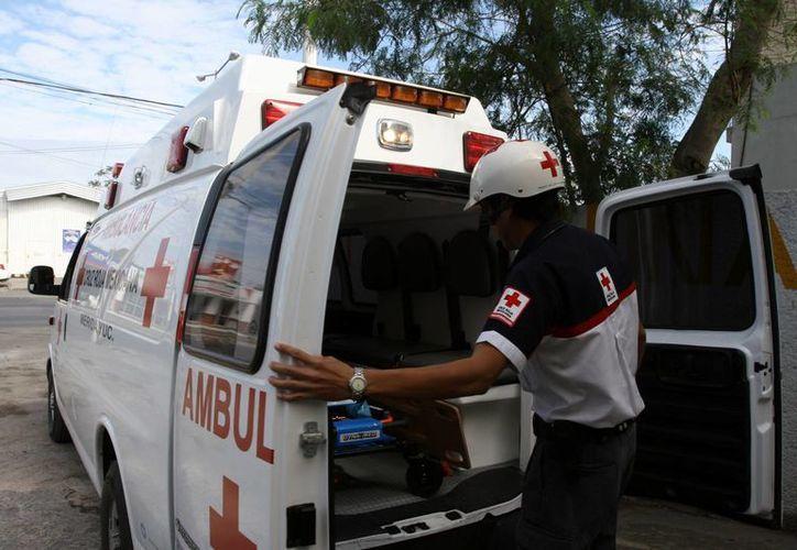 La Cruz Roja de Yucatán, desde la semana pasada, cuenta con una nueva ambulancia resultado de la colecta del año pasado por parte de Movimiento Azteca. (Milenio Novedades)