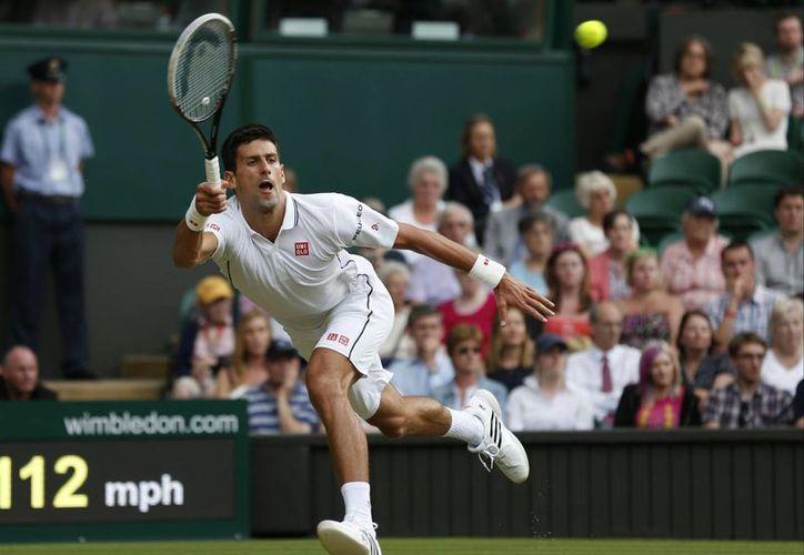 Djokovic 'sudó la gota gorda' para eliminar a Stepanek por parciales de 6-4, 6-3, 6-7 (5) y 7-6 (5). (Foto: AP)