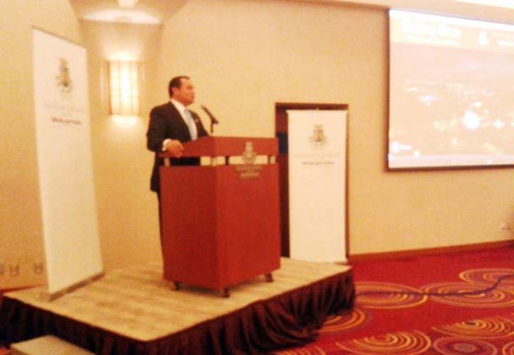 Renán Barrera Concha durante la presentación de la guía de oferta turística de Mérida ante el sector empresarial internacional y nacional. (Milenio Novedades)