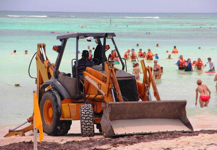 La Profepa suspendió la instalación de boyas en la Bahía de Akumal debido a que realizará una inspección. (Daniel Pacheco/SIPSE)