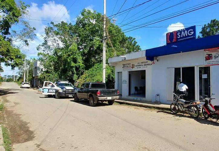 Agentes ministeriales iniciaron con la investigación sobre el robo y lesiones a los trabajadores. (Foto: Redacción/SIPSE)