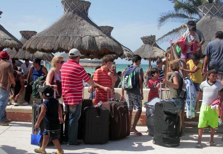Las autoridades del puerto de Progreso prevén el arribo de más de 200 mil turistas en estas vacaciones de Semana Santa. (Milenio Novedades)