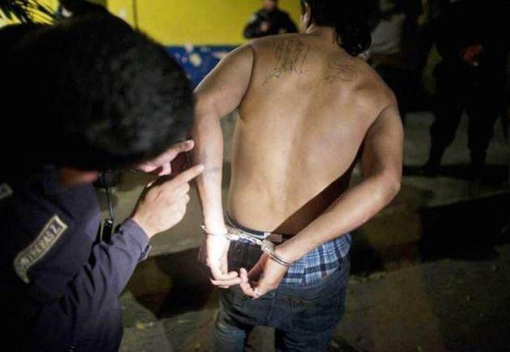 Los tres peruanos fueron detenidos momentos después del asalto. (Archivo/ Milenio Novedades)