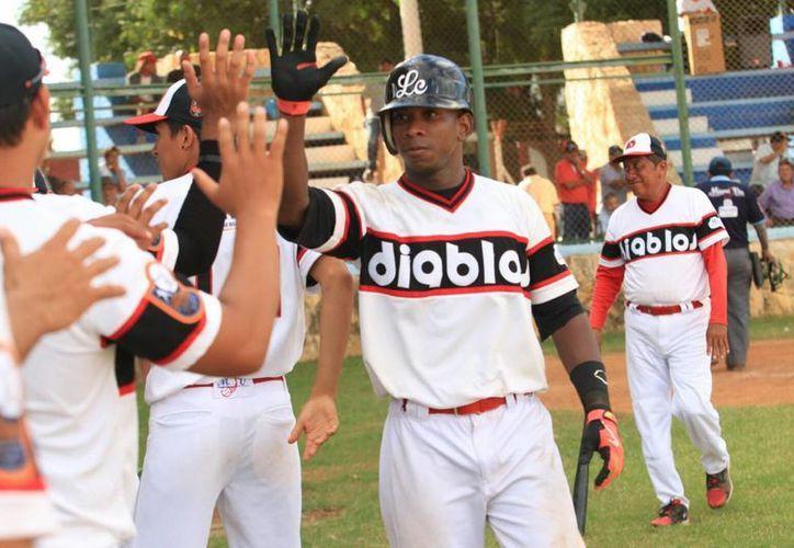 Gerson Manzanillo, de Diablos, quien terminó la temporada 2015-2016 de la Liga Meridana de Invierno de Beisbol como líder. (Milenio Novedades)