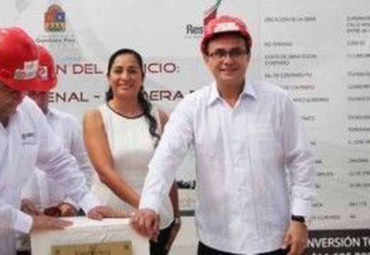 En el evento estuvo el gobernador del estado, Roberto Borge Angulo. (Cortesía/SIPSE)