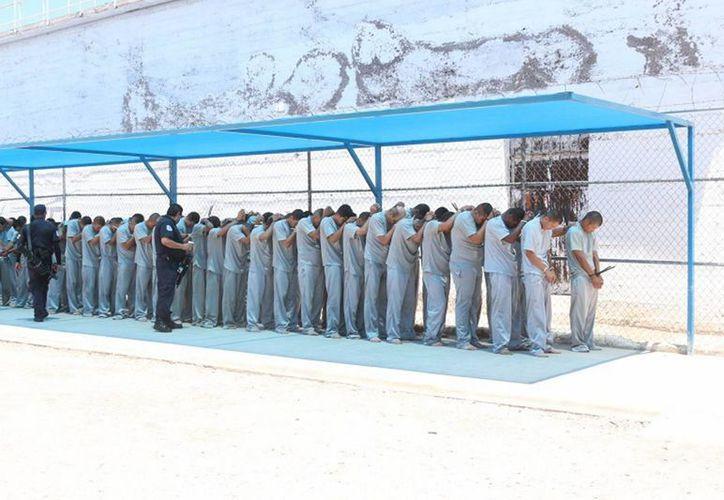 La Fiscalía General de Chihuahua determinó, por cuestiones de seguridad, el traslado de 150 reos del Cereso de Delicias a diversos Centros de Reinserción Social certificados de la entidad. (Foto Notimex)