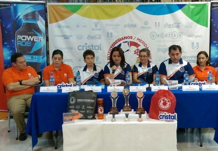 Durante la conferencia de prensa se informó de los últimos pormenores del evento nacional  Juegos Interteresianos 2016. (Marco Morales/SIPSE)