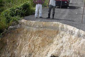 Lluvias dañan las carreteras del sur de Q. Roo