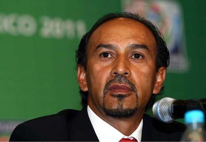 El técnico de la Sub-17 , Raúl Gutiérrez, cumplió con llevar a la Selección a defender el campeonato. (Archivo/SIPSE)