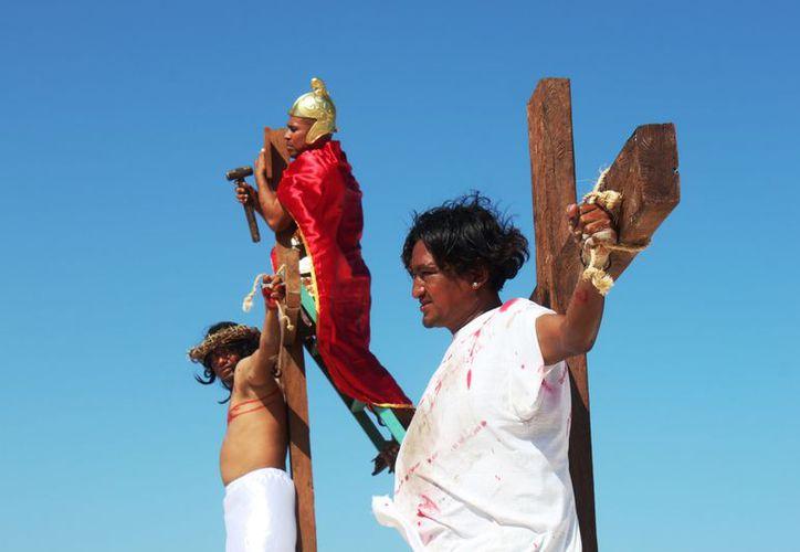 Las puertas de algunas parroquias permanecerán abiertas por la noche del Jueves Santo y hasta el Sábado de Gloria. (Octavio Martínez/ SIPSE)