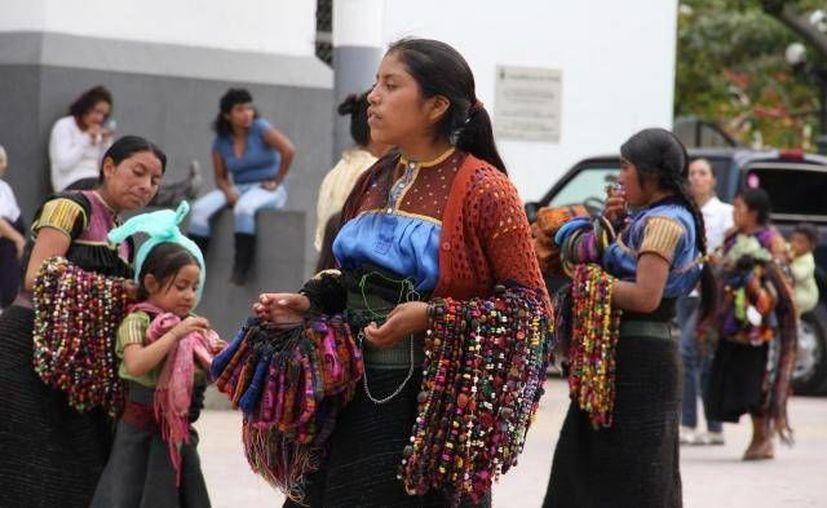 Indígenas ñañu de la comunidad de San Idelfonso, Hidalgo, demandan un mejor servicio de Telmex. (Notimex/Foto de contexto)