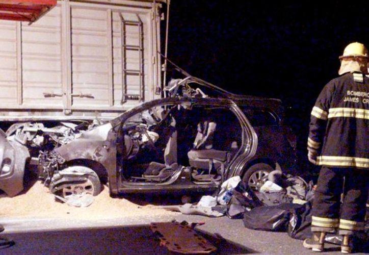 Imagen del accidente en el que fallecieron la esposa e hijos del sobrino del Papa Francisco. (lanacion.com.ar/DyN)