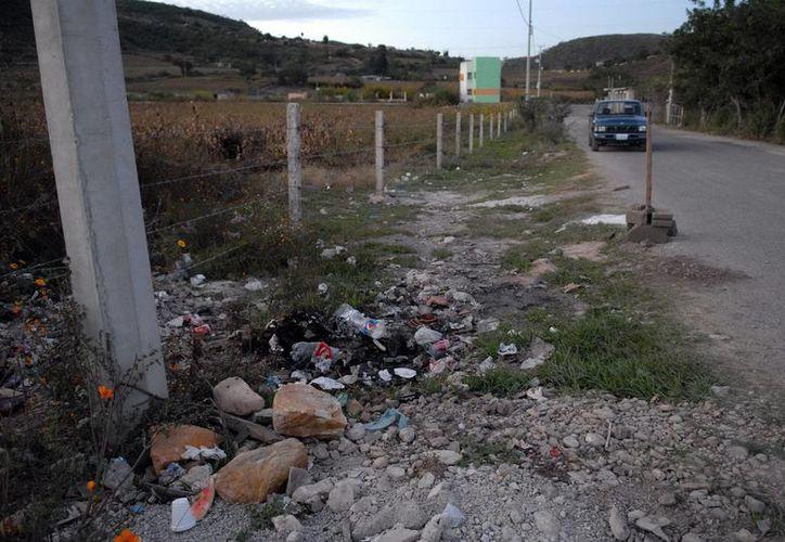Ante la inseguridad que se vive en Guerrero, la embajada norteamericana prohibió a sus empleados viajar por tierra a ese estado de México. (Foto de archivo de Notimex)