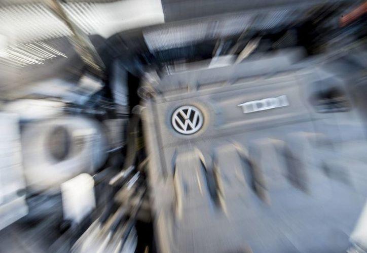 En Italia hay 648 mil 458 vehículos con motores manipulados que alteraron los datos sobre emisión de gases contaminantes. (Archivo/EFE)