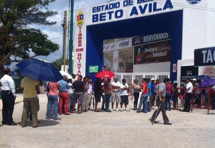 Los boletos se han vendido rápidamente, y ya han vendido el 80% de las localidades. (Francisco Gálvez/SIPSE)