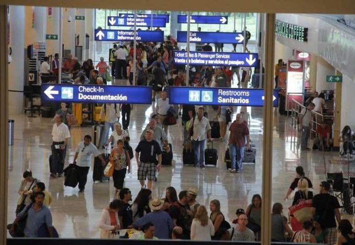 La discreción fue la clave durante las acciones realizadas en el Aeropuerto Internacional de Cancún. (Redacción/SIPSE)