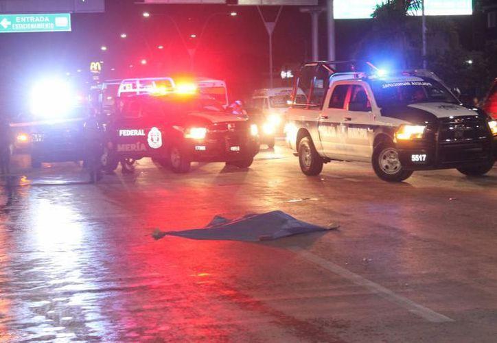 Al lugar llegaron paramédicos de CostaMed, quienes confirmaron el deceso del sujeto. (Foto: Contexto/Redacción)