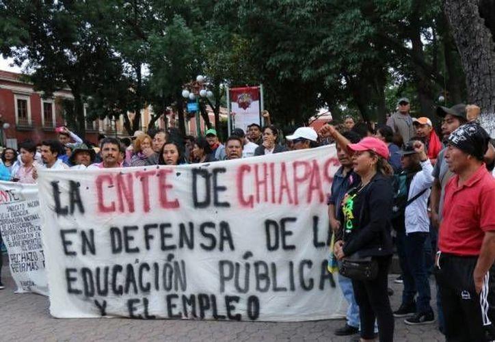 Los maestros exigieron al gobierno federal la reapertura inmediata de la mesa de negociación. (lacapitalmx.com)