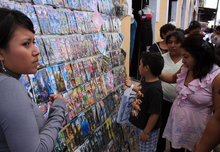 """Los empresarios se proponen acabar con la """"piratería"""" en las calles de Mérida. (Milenio Novedades)"""