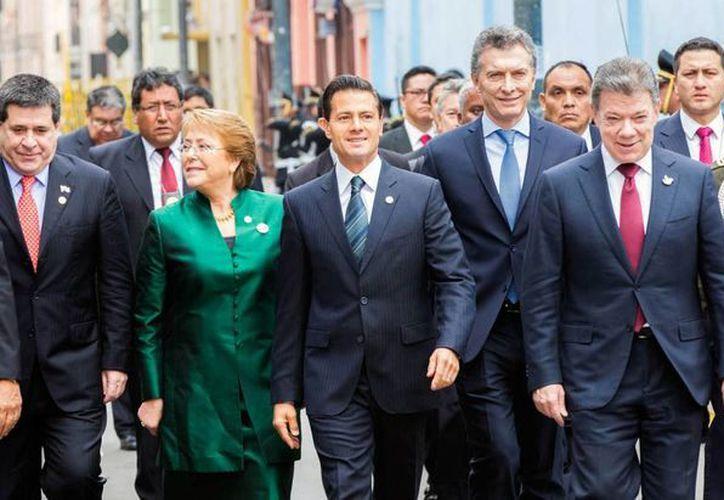 Peña Nieto acudió a Perú, junto con otros jefes de Estado, a la investidura presidencial de Pedro Pablo Kuczynski. (Notimex)