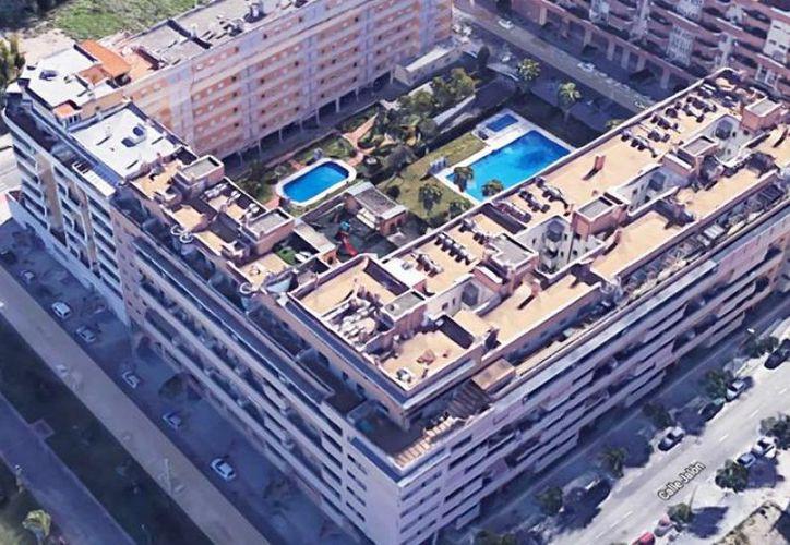 La policía investiga la muerte de ambos tras caer de un sexto piso en Málaga. (Foto: Excélsior)