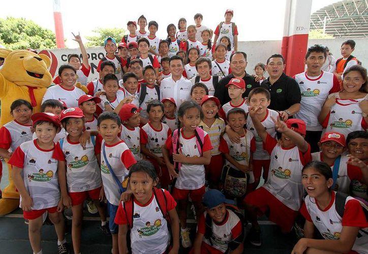 Más de 200 menores participan en las diferentes disciplinas deportivas. (Cortesía/SIPSE)