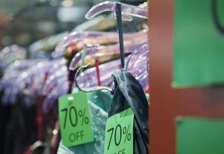 Los tóxicos encontrados por Greenpeace en prendas de conocidas marcas penetran fácilmente al cuerpo. (cuatro.com)