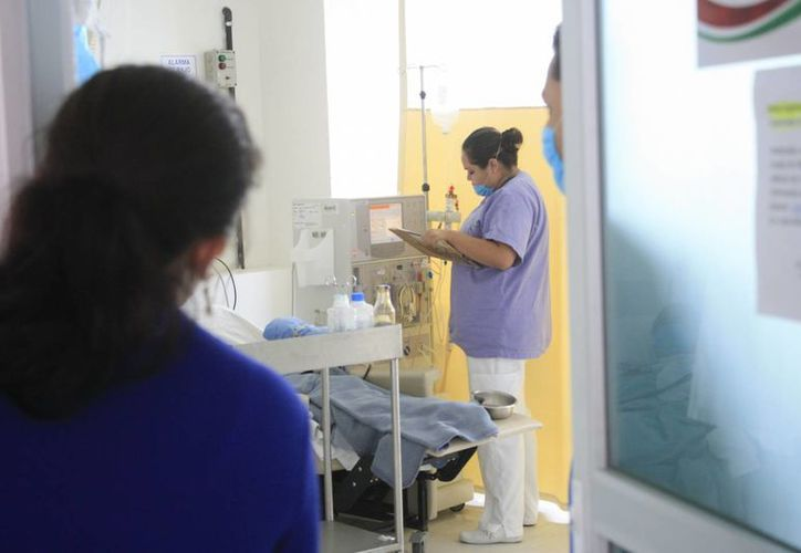 Sólo llegó material para atender a 24 pacientes. (Harold Alcocer/SIPSE)