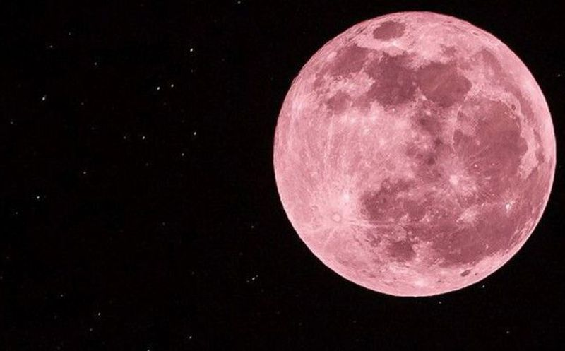 La 'luna rosada' iluminará el cielo