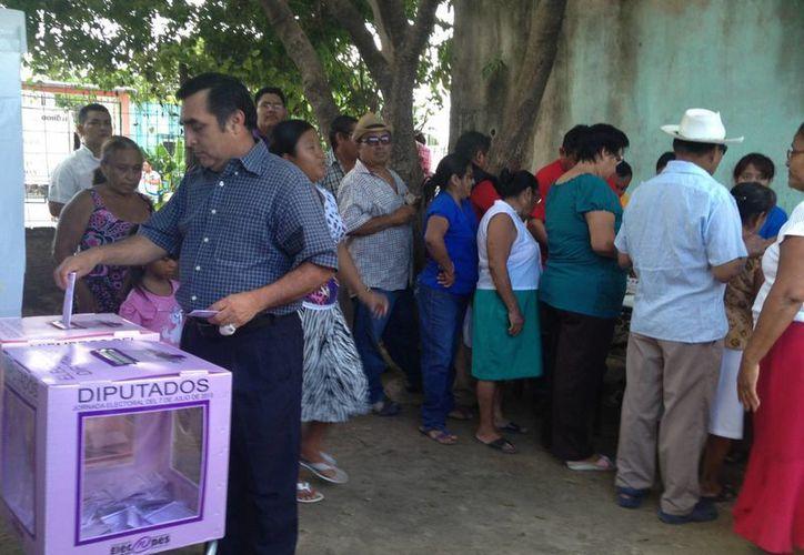 El PRI reconoce la labor de las personas que salieron a emitir su voto. (Ángel Mazariego/SIPSE)