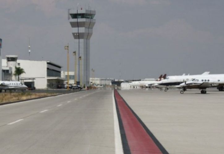 Aeropuerto de Querétaro (AIQ) opera con normalidad, indicó Marco Del Prete. (Foto: Twitter)