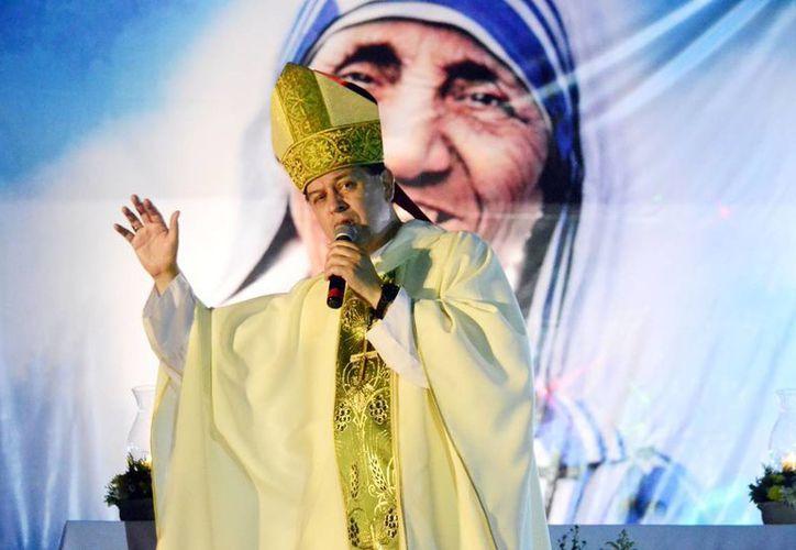 Mons. Rodríguez Vega celebró una misa en Ciudad Caucel, en honor a la nueva santa 'Teresa de Calcuta'. (Milenio Novedades)