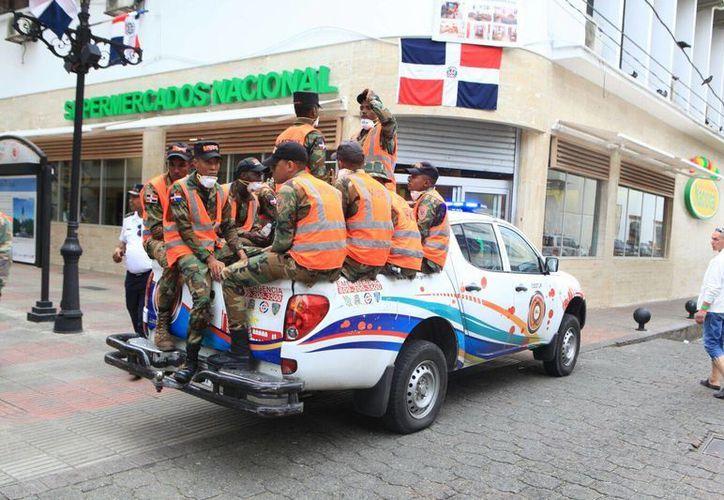 Los oficiales detenidos falsificaban documentos del Ministerio de Defensa para permitir la importación de las armas y transferirlas a una armería privada. Foto de contexto de un grupo de militares de República Dominicana. (Facebook del Ministerio Defensa RD)