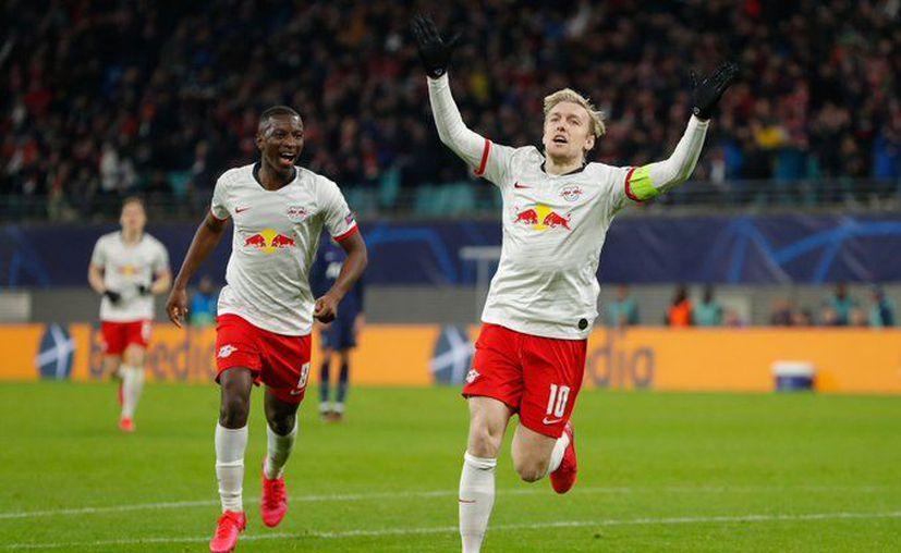 Los jugadores del Leipzig no podían creer su pase a cuartos de final (Fotos: @ChampionsLeague)
