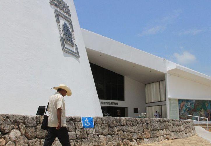 El problema para los habitantes de San Silverio y Yalchén es que no pueden acceder a los programas para el campo del gobierno. (Joel Zamora/SIPSE)