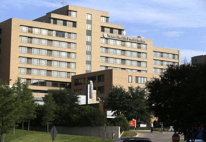 Los médicos del Hospital Presbiteriano de Dallas, Texas, han tomado las medidas para proteger a su personal del virus del ébola. (AP)