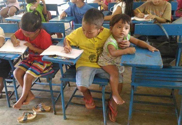 Vieron en Justin un ejemplo y referente para que otros niños estudien. (Facebook)