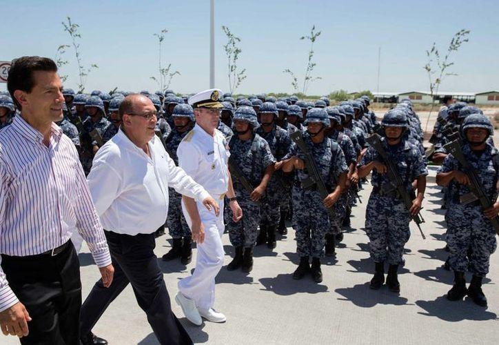 Peña Nieto encabezó la inauguración del Cuartel del 12 Regimiento de Caballería Motorizado y Unidad Militar, en Piedras Negras, Coahuila. (Presidencia)