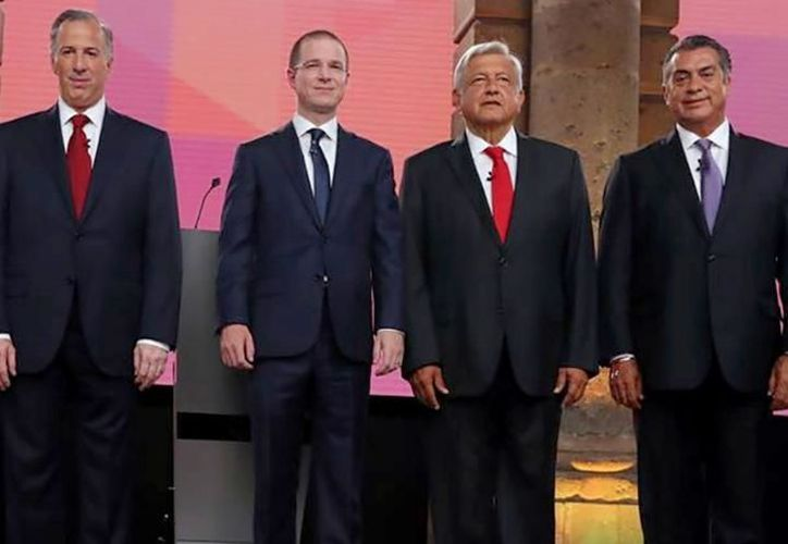 Para este tercer debate, los ciudadanos pudieron enviar preguntas a los cuatro candidatos. (Archivo)