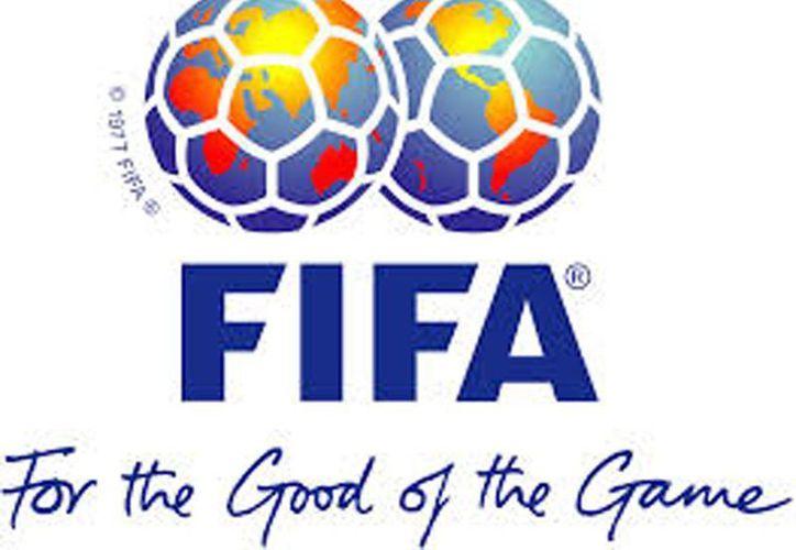 Una de las prioridades de la FIFA es identificar nuevos miembros de seguridad, tanto hombres como mujeres. (wikipedia)