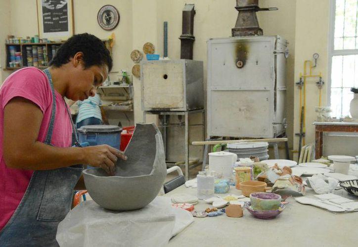 El apoyo aplica para personas mayores de 18 años que nacieron en el Estado. (Victoria González/SIPSE)
