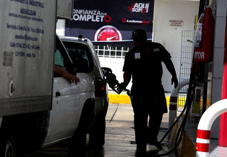 Profeco presentó denuncias ante la PGR porque en otras dos estaciones de gasolina no se permitió la revisión. (Archivo/Notimex)
