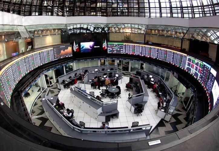 La Bolsa Mexicana de Valores también suspenderá sus labores este lunes por el día feriado. (Archivo/Notimex)