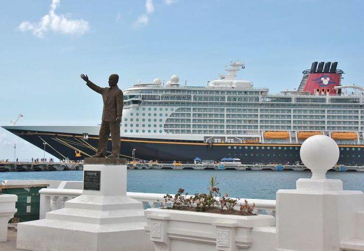 Proyectan una derrama de 11.5 millones de dólares en semana de cruceros. (Gustavo Villegas/SIPSE)