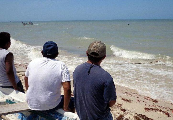 Autoridades recomiendan a marinos estar pendientes del reporte del clima. Continúa la búsqueda de los pescadores extraviados en altamar. (Milenio Novedades)