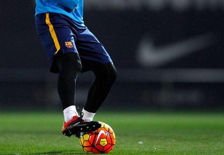 Lionel Messi está considerado para el partido de este sábado frente al Real Madrid, tras ser dado  luego de pasar por un tiempo rehabilitación. (AP)