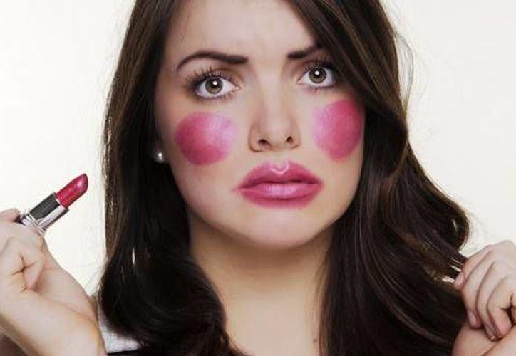 Algunos consejos de belleza encontrados en internet podrían provocar el efecto contrario. (Contexto/Internet)
