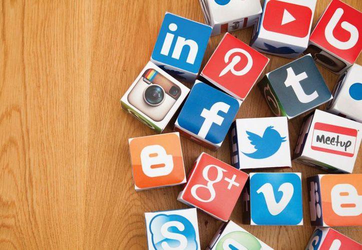 El hecho de que las redes sociales no puedan identificar de forma previa a quien se encuentra detrás de una nueva cuenta hace que generar un perfil falso sea relativamente sencillo. (Contexto/Internet).